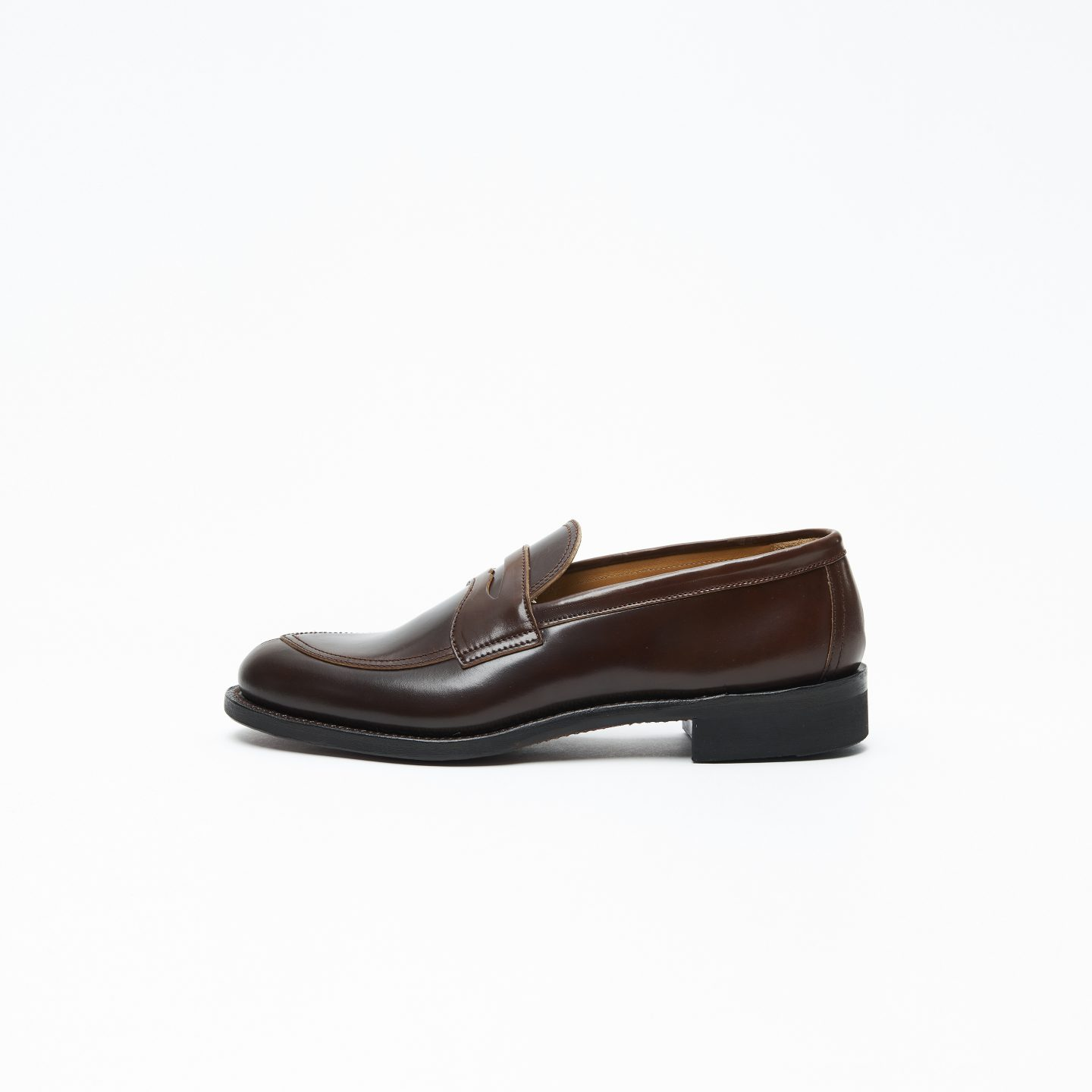 V TIP LOAFER